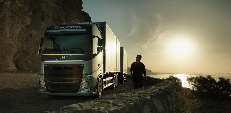 new-volvo-fh-in-sunset