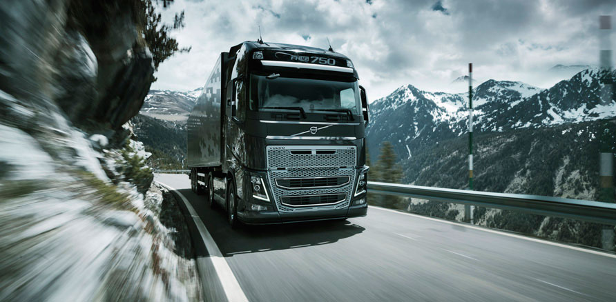 new-volvo-fh16-on-the-road