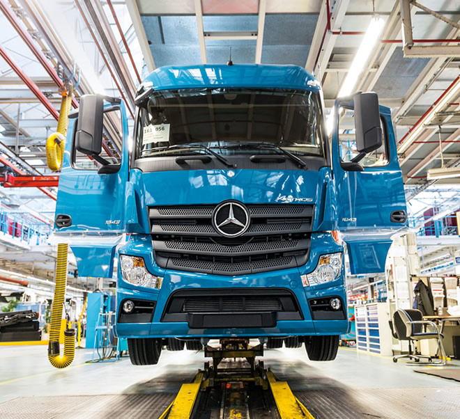 04-Mercedes-Benz-vehicles-trucks-Actros-Loader-Werk-Woerth-660x602