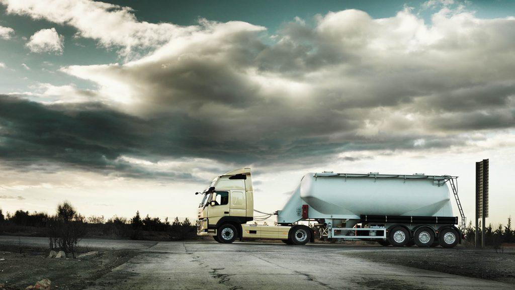 2326x1310-volvo-fm-bulk-transport