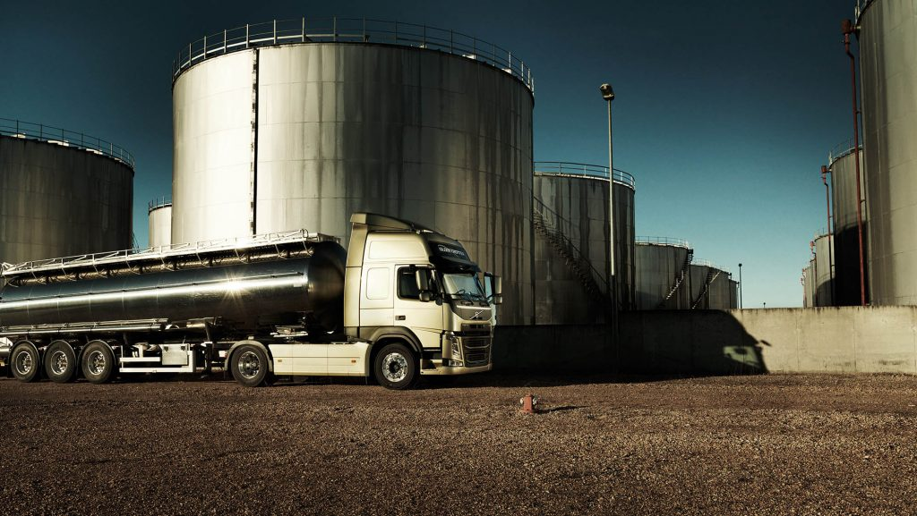 2326x1310-volvo-fm-tanker-truck