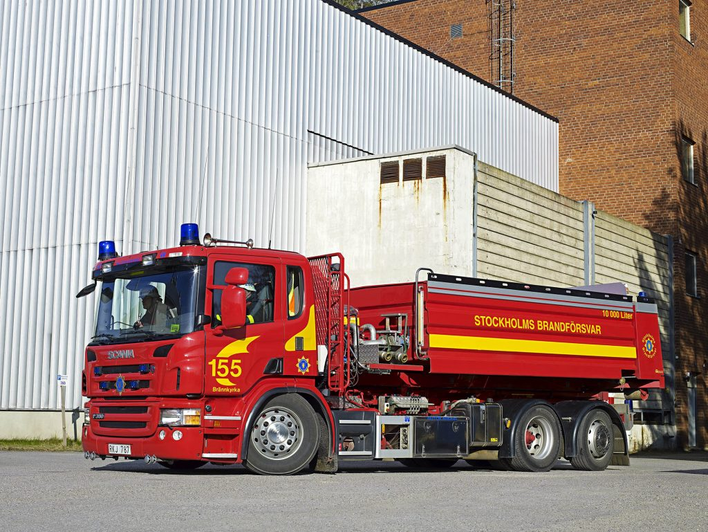 Scania P 380 day cab with hook-lift. Stockholm, Sweden Photo: Johan Olsson 2008