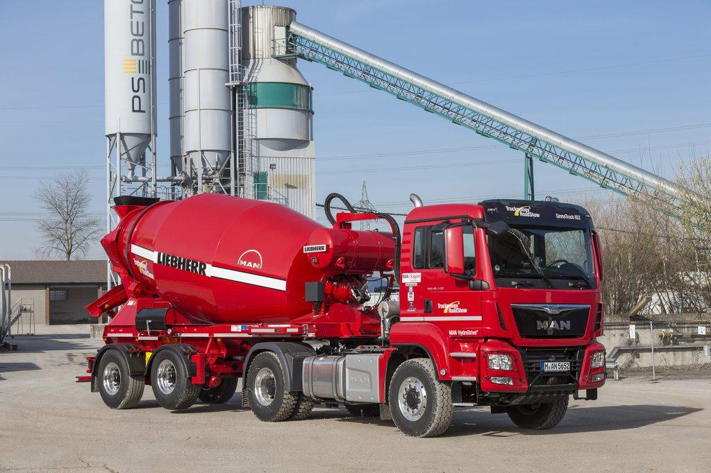 The MAN TGS 18.440 4x4H BLS is an ultimate tractor unit for concrete mixer semi-trailers. DE: Für Fahrmischer-Sattelauflieger ist der MAN TGS 18.440 4x4H BLS eine bestens geeignete Zugmaschine. UK: The MAN TGS 18.440 4x4H BLS is an ultimate tractor unit for concrete mixer semi-trailers.