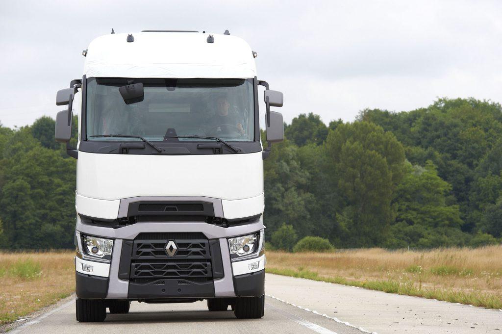stef-renault_trucks_t_euro-6_1