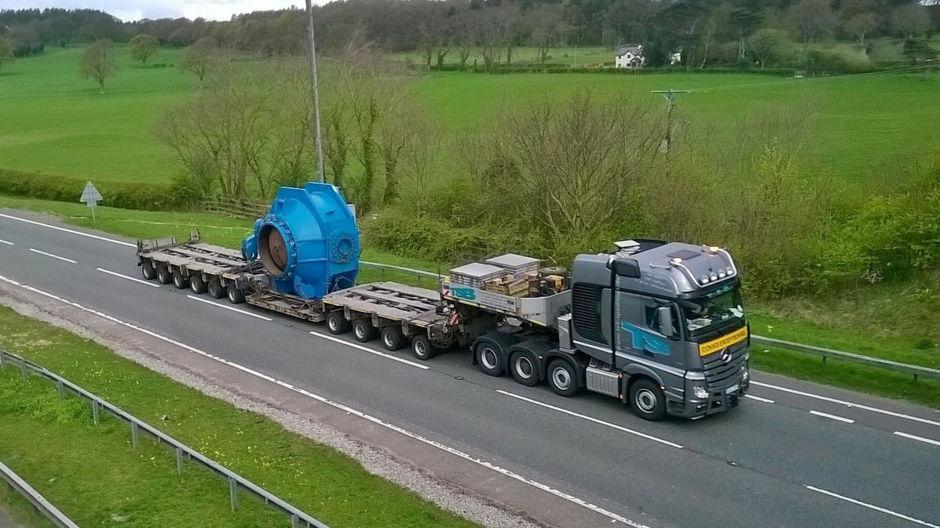 actros-heavy-transport-across-europe-940-03