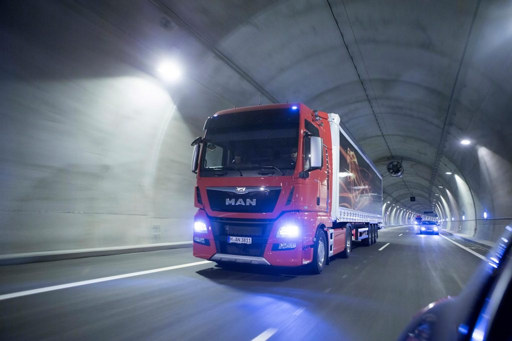 mand38-1-camion-ruta