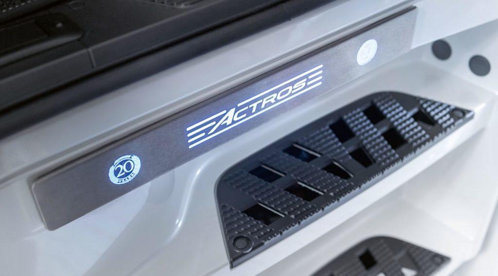 4_3-mercedes-benz-sondermodell-20jahre-actros-1280x710-1280x710