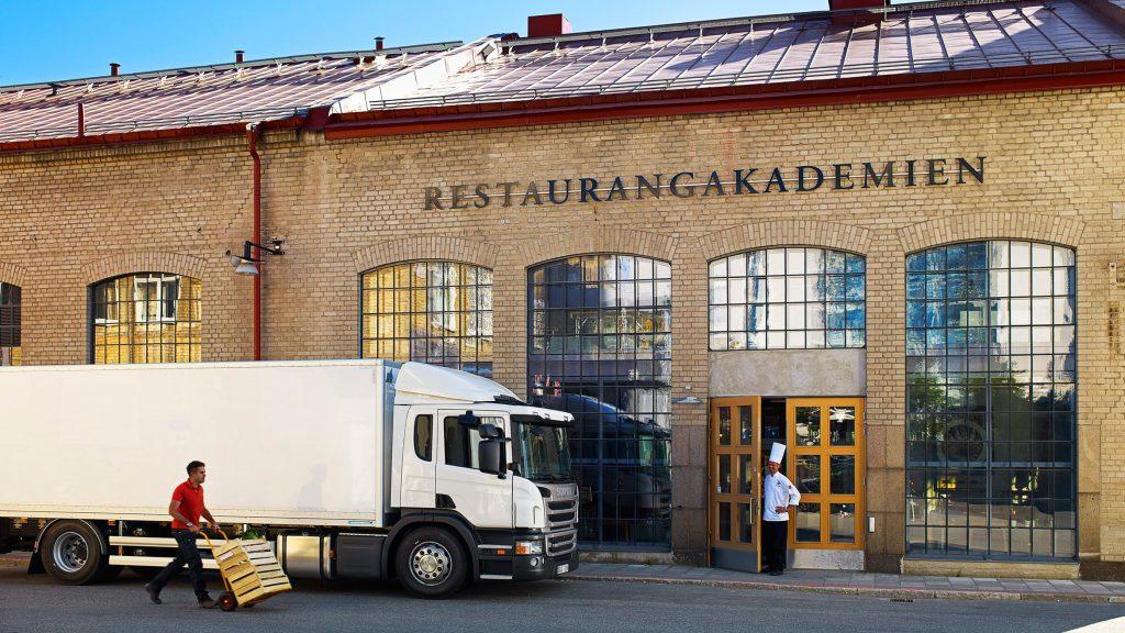Scania P 280 4x2 with box body. Stockholm, Sweden Photo: Göran Wink 2012