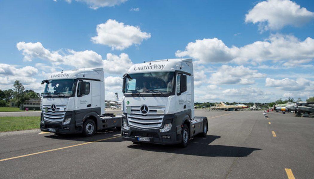 Daimler enseñando a los más jóvenes
