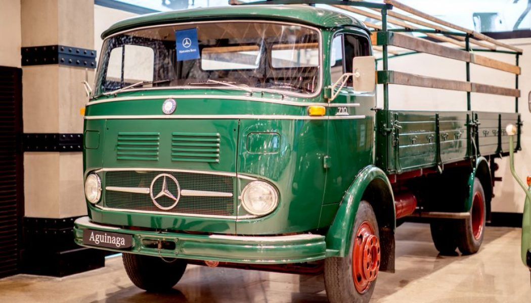 Camiones históricos en Aguinaga